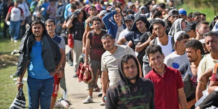 Obama Extends Syrian Migrant Protections Amid Texas Resistance