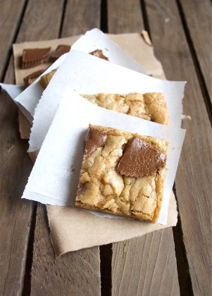 peanut butter cup blondies 2
