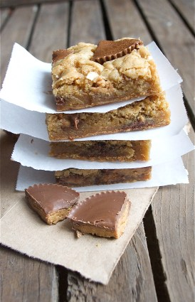 peanut butter cup blondies 3