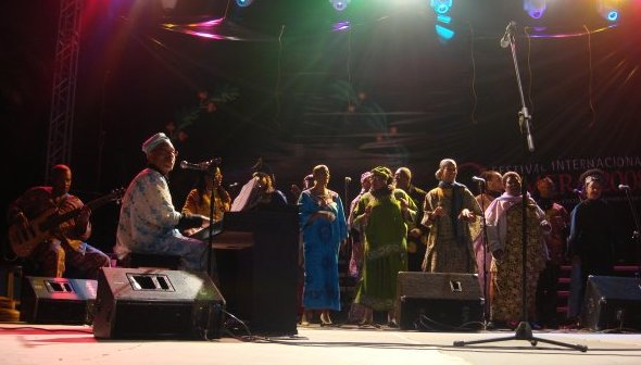 tuenight trip penny wren gospel choir
