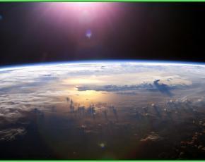 На нашей планете самым большим является Тихий океан - вид из космоса