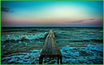 Пристань на Чёрном Море на рассвете - - black sea