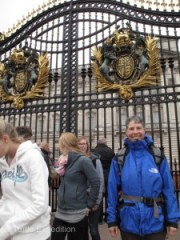 Even Monika could not get into the gate of Buckingham Palace. Maybe she just needs a bearskin hat?