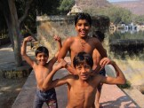 Muscle Men, Bundi