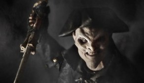 The Pied Piper (Ryan Gray) raises a weapon on Sleepy Hollow.