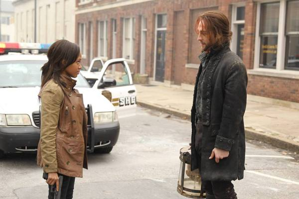 "Sleepy Hollow: Ichabbie Horseman's skull ""Pilot"""