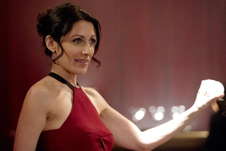 Lisa Edelstein as Abby McCarthy on Girlfriends' Guide to Divorce.