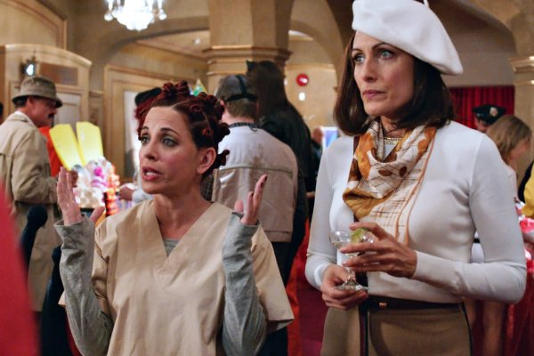 Jo and Abby dressed as Crazy Eyes and Bonnie at a costume benefit on Girlfriends' Guide to Divorce
