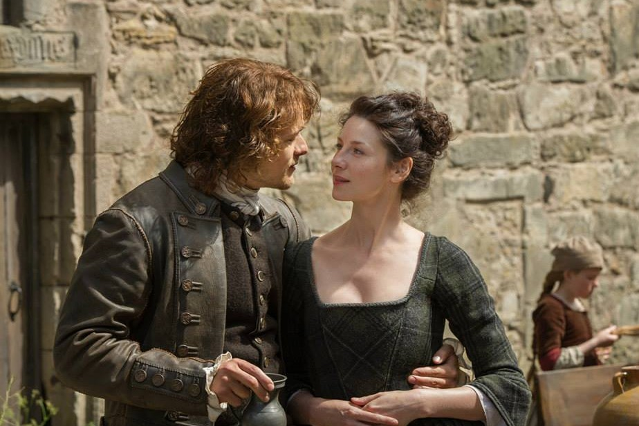 Jamie and Claire Fraser in Lallybroch on Outlander