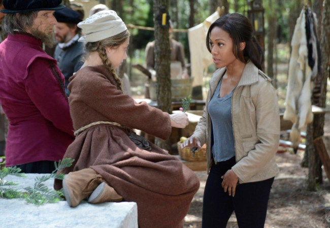 Abbie Mills (Nicole Beharie) meets a little girl from the Lost Colony  of Roanoke on Sleepy Hollow.
