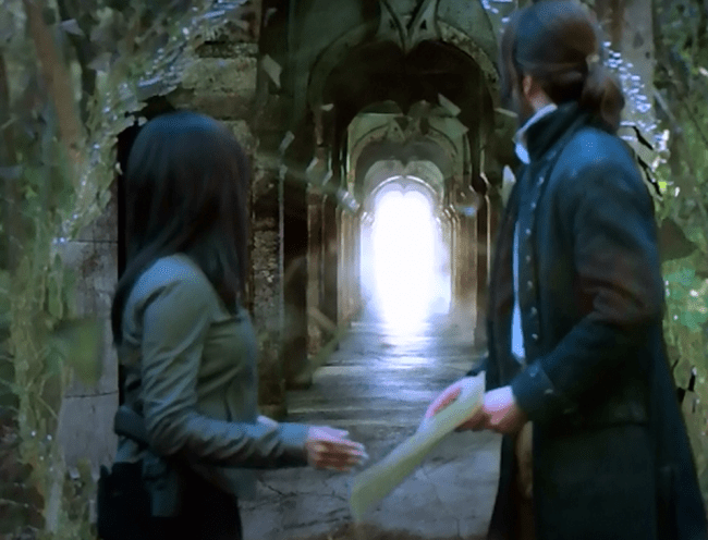 "Ichabod and Abbie prepare to enter Purgatory via a portal in the ""Bad Blood"" episode of Sleepy Hollow"