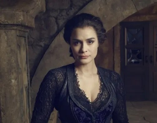 Shannyn-Sossamon-as-Pandora-on-Sleepy-Hollow