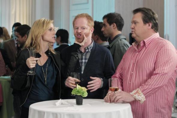 Modern Family season six renewal