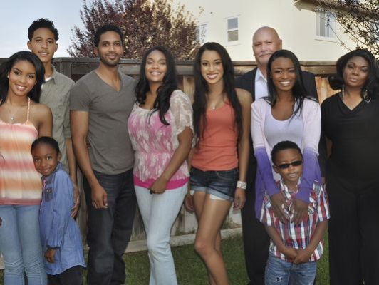 Famous in 12 CW TV show canceled