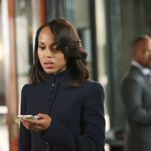 """SCANDAL - """"Guess Who's Coming to Dinner"""" - Through flashbacks we learn more about Olivia's estranged relationship with her father. Meanwhile, both the White House and  Pope & Associates are still in the middle of cleaning up the very big and very public mess they created, on """"Scandal,"""" THURSDAY OCTOBER 10 (10:00-11:00 p.m., ET) on the ABC Television Network. (ABC/Danny Feld) KERRY WASHINGTON, COLUMBUS SHORT (BACKGROUND)"""