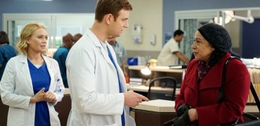 CHICAGO MED -- Pilot -- Pictured: (l-r) Laurie Holden as Dr. Hannah Tramble, Nick Gelfuss as Dr. Will Halstead, S. Epatha Merkerson as Sharon Goodwin -- (Photo by: Elizabeth Morris/NBC)