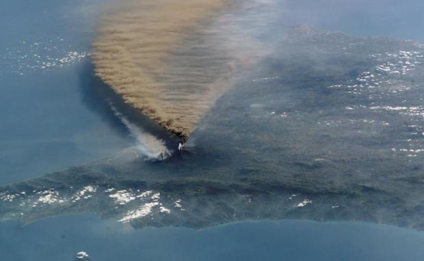 mt-etna-eruption-volcano