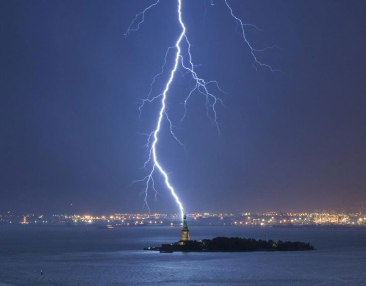 lightning strikes statue of liberty perfect timing