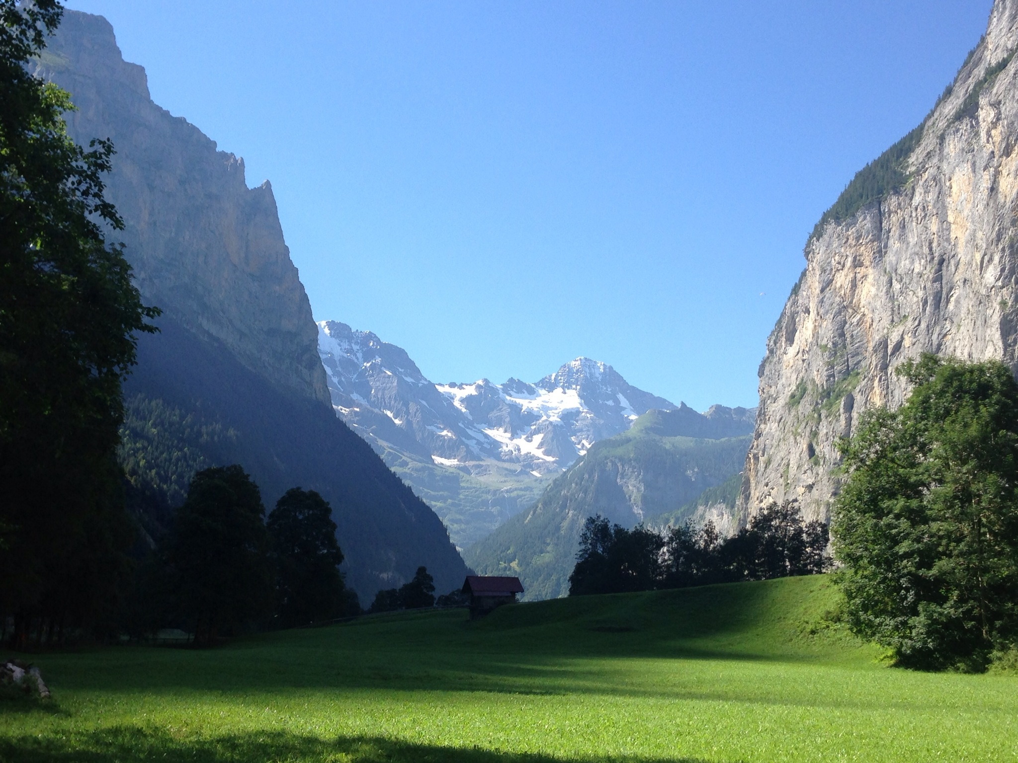 how to get from wengen to lauterbrunnen
