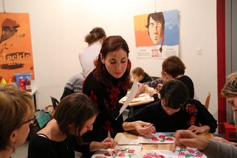 Atelier de dessin traditionnel ukrainien 'Petrykivka'
