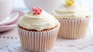 iced-cupcakes