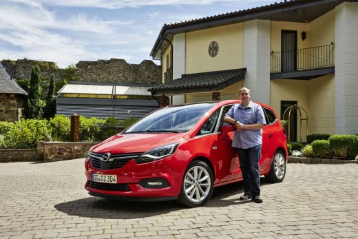 Opel Zafira_001