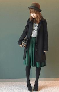 10緑フレアスカート×ロングジャケット×クラシカルハット
