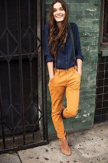 7ネイビーシャツ×黄色パンツ×サスペンダー