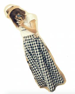10チェックマキシ丈スカート×白Tシャツ