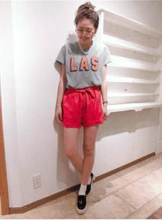 7夏キュロット×グレーTシャツ×黒スリッポン