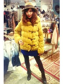 6冬のダウンジャケット×ミニスカート×ハット
