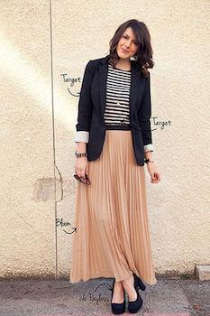 シュガーピンクのプリーツスカート×ボーダーTシャツ×テーラードジャケット