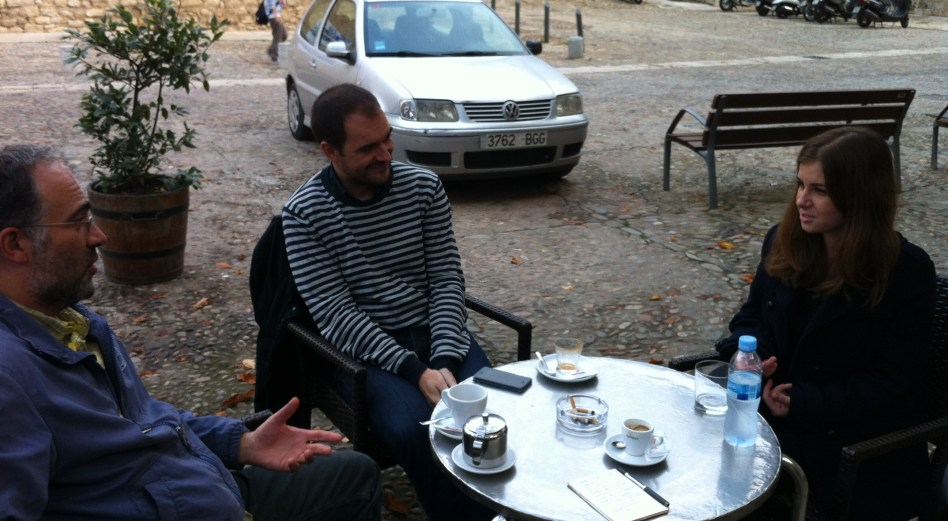 Els professors Jordi Feu i Òscar Prieto, i Mihaela Popescu, mentora en el Projecte Rossinyol