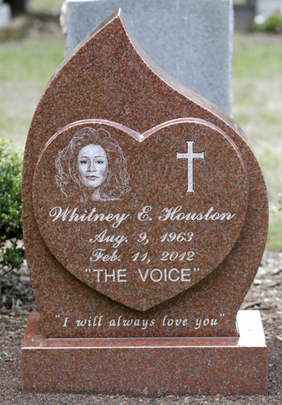whitney-houston-headstone