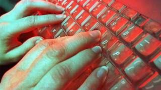 Teachers fear computing GCSE is 'compromised' – BBC News