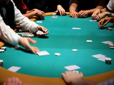 cheating-live-poker