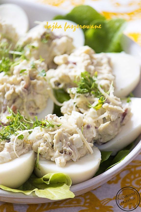 Jajka faszerowane szynką dojrzewającą i żółtym serem