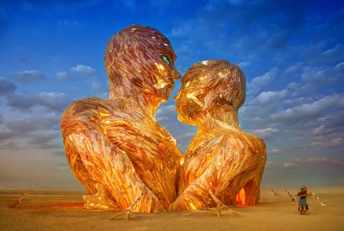 Burning Man Festival: Espiritualidade e Festa no Deserto