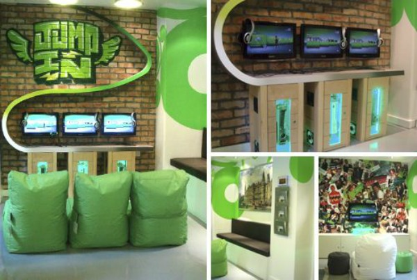 21 truly awesome video game room ideas u me and the kids. Black Bedroom Furniture Sets. Home Design Ideas