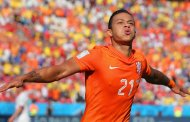 Depay given permission to speak with United