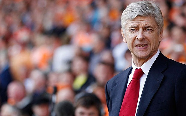 """Wenger: """"United & Arsenal can still finish top"""""""