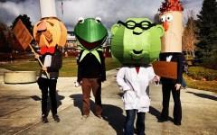 @gabeb71: #onlyatbyu #BYU #provo #utah #muppets #kermitthefrog #antivegetarian #vegetarian