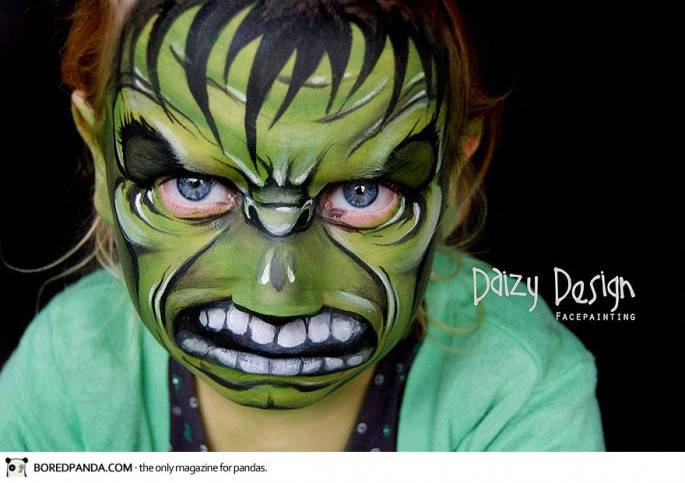 bimbo con volto disegnato hul