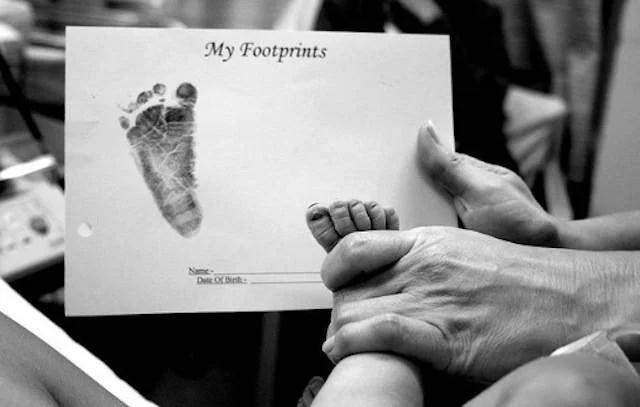 foto della prima impronta del piedino
