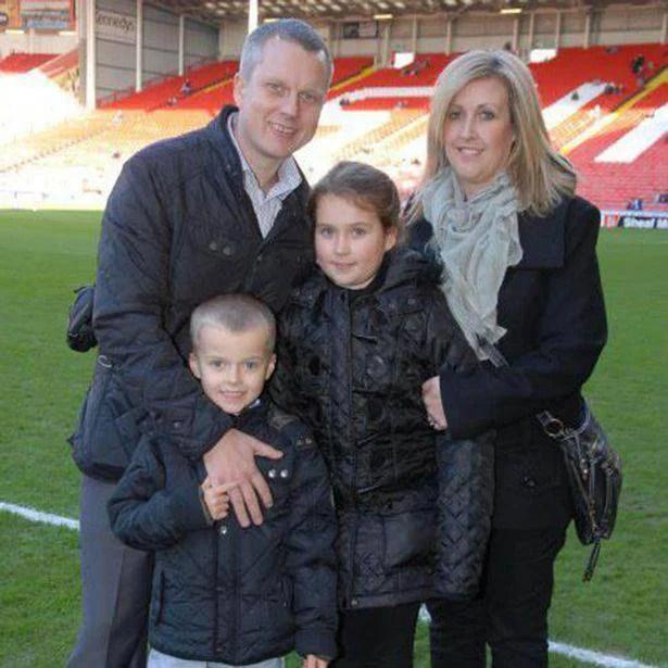 bimbo malato di cancro con famiglia