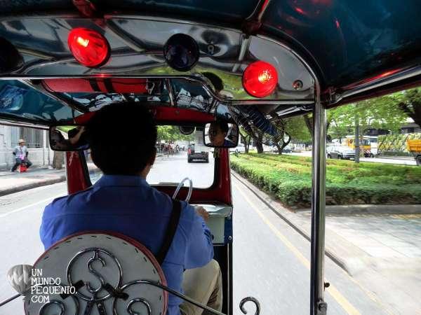Tuk tuk driver bangkok