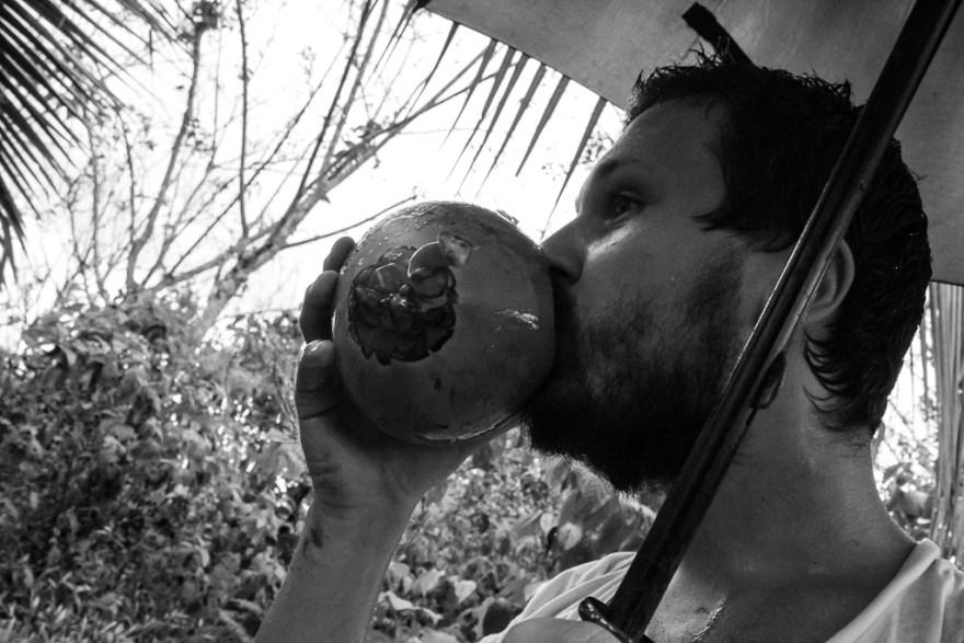 Trinkwasser aus der Kokosnuss, Costa Rica (c) Veronika C. Dräxler