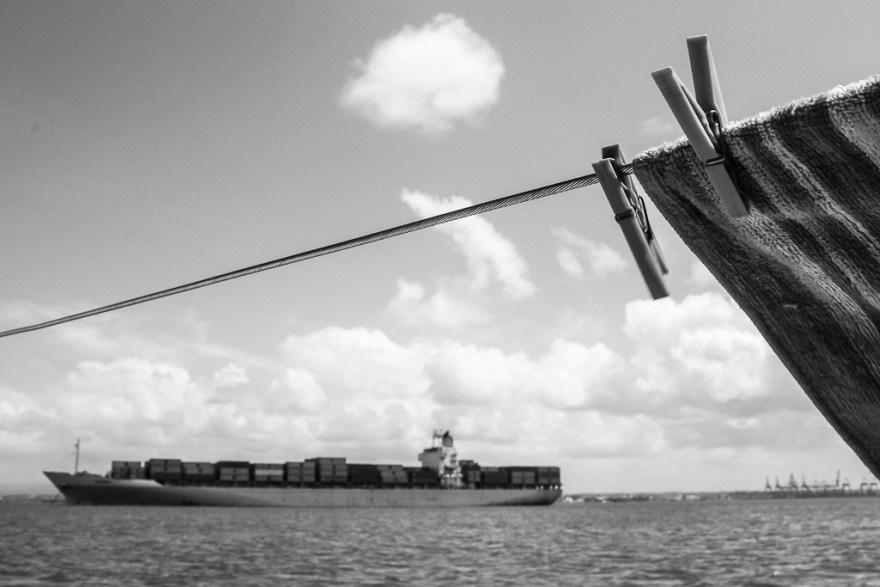 Frachter am Panama Kanal, Panama (c) Veronika C. Dräxler