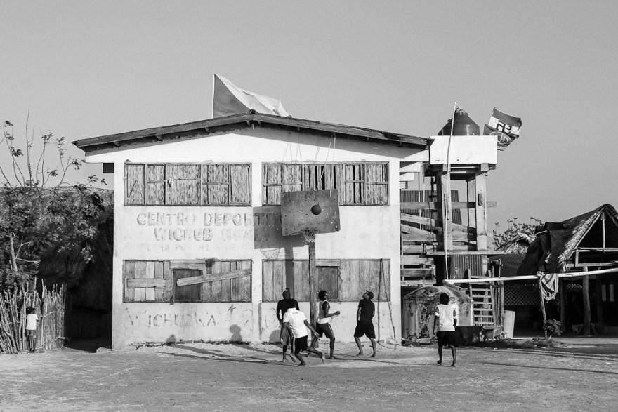 Basketball auf Wichub Wala, Kuna Yala, Panama (c) Veronika C. Dräxler