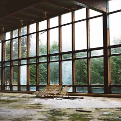 Photos from The Borscht Belt, the Abandoned Remains of America's Jewish Vacationland